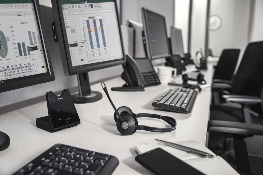 Jabra_Engage75_Duo_Call_Center.jpg